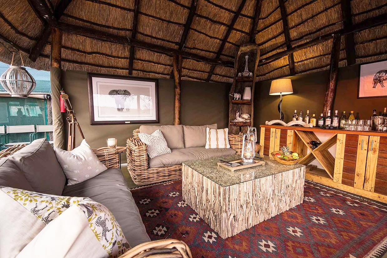 Botswana Moremi tuskers bush camp
